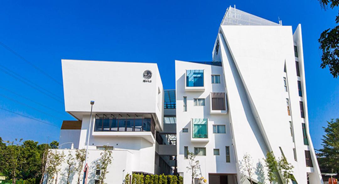嘉義必去景點再加1!幾何純白飯店宛如美術館 -- MOOK景點家